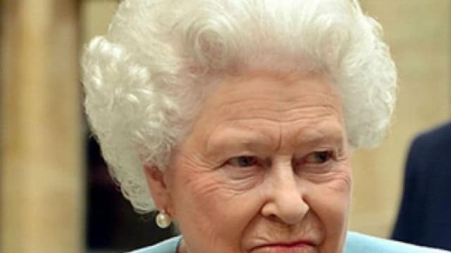Αναστάτωση στο παλάτι! Έχει γίνει έξαλλη η Βασίλισσα Ελισάβετ και απαιτεί εξηγήσεις!