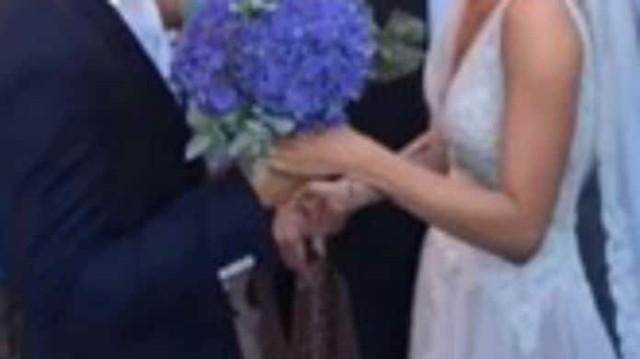 Γνωστή Ελληνίδα ηθοποιός πλέει σε πελάγη ευτυχίας! Παντρεύτηκε η κόρη της!