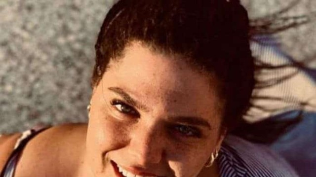 Δανάη Μπάρκα: Μας έδειξε το μελανιασμένο κορμί της! Τι συνέβη;