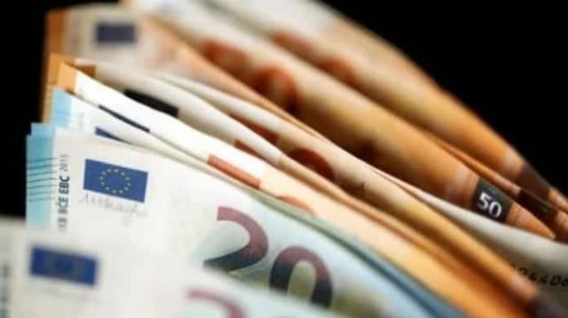 «Βρέχει» επιδόματα! Πόσα λεφτά θα δείτε στον λογαριασμό σας και ποιοι;