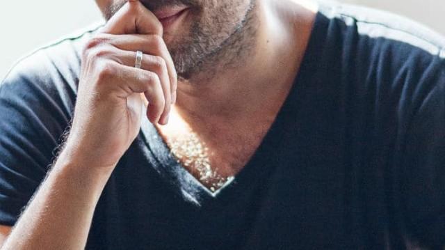 Γνωστός Έλληνας ηθοποιός πήγε για μπάνιο και έκανε... γυμνισμό! Φωτογραφία ντοκουμέντο!