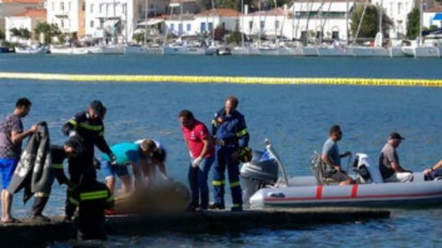 Τραγωδία στον Πόρο: Καρέ καρέ η ανάσυρση των θυμάτων του ελικοπτέρου!