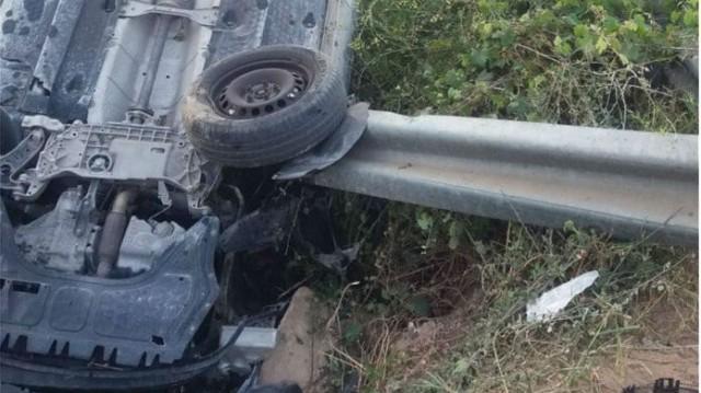 Τραγωδία στην Κρήτη! Αυτοκίνητο «καρφώθηκε» σε προστατευτική μπάρα! (Βίντεο)