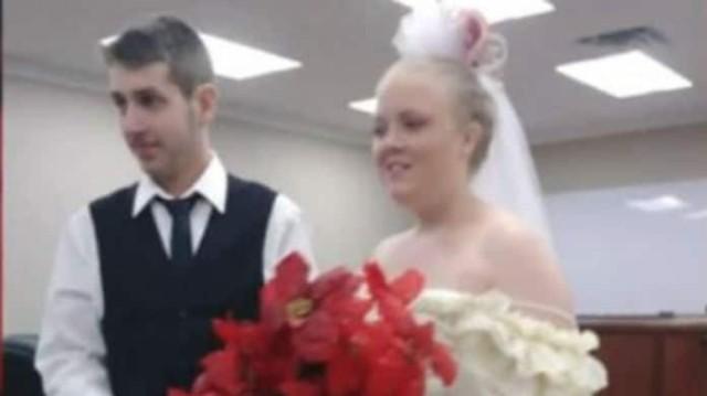 Ασύλληπτη τραγωδία! Ζευγάρι σκοτώθηκε σε τροχαίο λίγα λεπτά μετά τον γάμο τους!