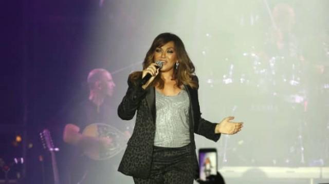 Καίτη Γαρμπή: Αποθεώθηκε στην συναυλία για τα 30 χρόνια της! Τι έκανε ο γιος της;