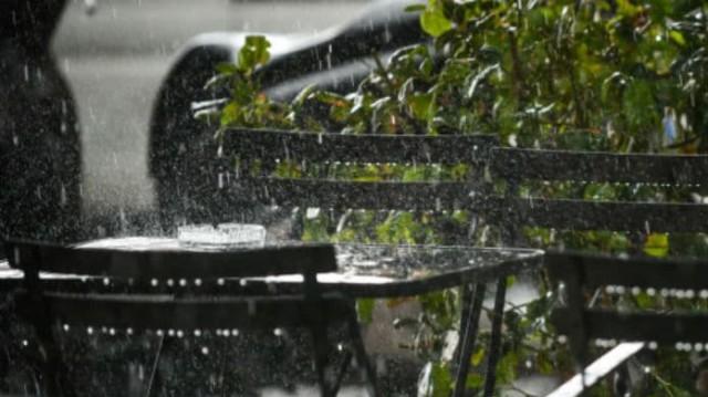 Καιρός σήμερα: Πέφτει άσχημα η θερμοκρασία! Που θα βρέξει;