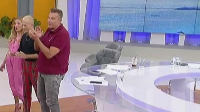 Γιώργος Λιάγκας: Απίστευτο! Φόρεσε γόβες στον αέρα της εκπομπής του! (Βίντεο)