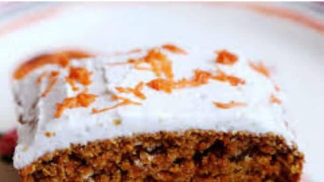 Λαχταριστό κέικ καρότου με μέλι! Η πιο νόστιμη και υγιεινή συνταγή για γλυκό!