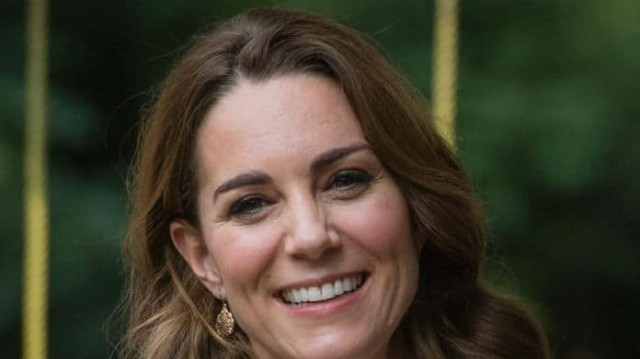 Η παντελόνα που πρέπει να εντάξεις στην γκαρνταρόμπα σου! Την έχει και η Kate Middleton!