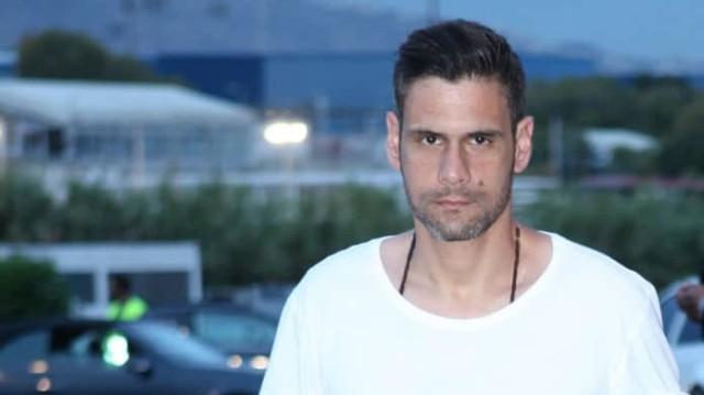 Δημήτρης Ουγγαρέζος: Θα σας πέσουν τα μαλλιά με την ηλικία του! Δεν μπορεί να είναι τόσο...