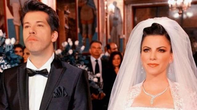 Αντελίνα Βαρθακούρη: Με δύο φορέματα στον γάμο της! Αυτό που έβαλε στην δεξίωση μοιάζει ονειρικό...