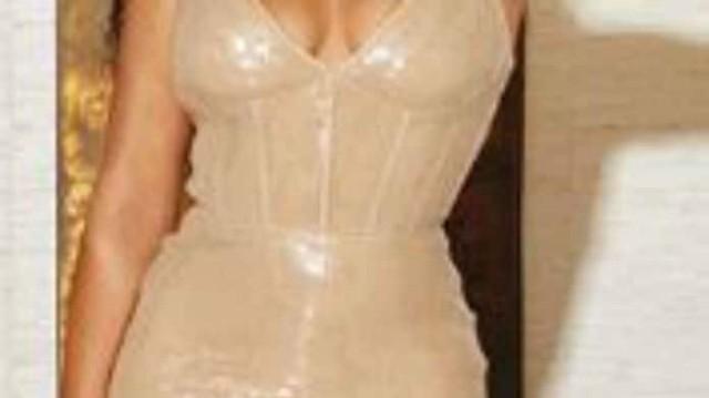 Κορυφαία τραγουδίστρια πήγε σε φιλανθρωπικό gala και κράτησε το πιο ανατρεπτικό τσαντάκι!