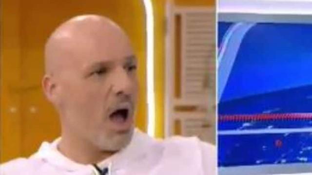 Νίκος Μουτσινάς: Είδε την Σία Κοσιώνη με ανδρικά μαλλιά και