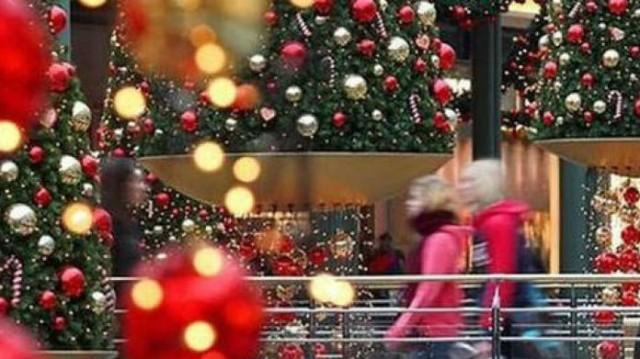 Εορταστικό ωράριο 2019: Πότε ξεκινά - Ποιες Κυριακές είναι ανοιχτά τα καταστήματα!