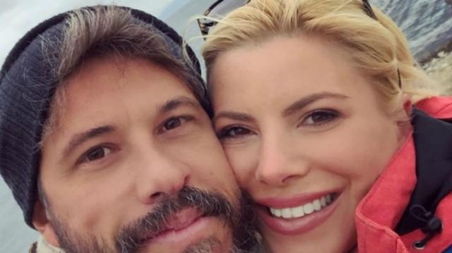 Αντελίνα Βαρθακούρη: Ο Χάρης εδωσε... φιλί στην σύζυγο του Τανιμανίδη! Πως λέτε να αντέδρασε όταν είδε την φωτογραφία;