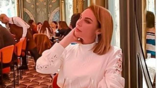 Τατιάνα Στεφανίδου: «Έριξε» το Instagram με το ροζ μπλουζάκι της! Η εμφάνιση της συζητήθηκε όσο καμία!