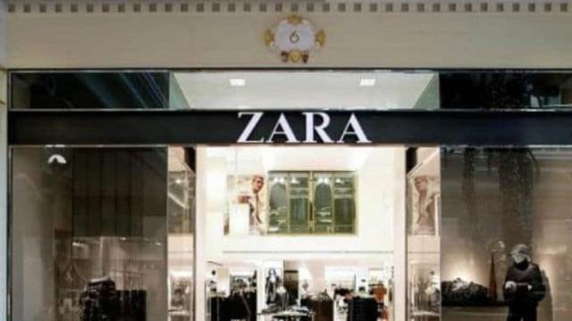 Zara: Θα φας «κόλλημα» με αυτό το τζιν φόρεμα! Είναι για τολμηρές, μπορείς να το υποστηρίξεις;