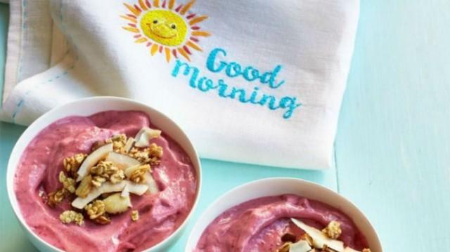 Θέλεις να ξεκινήσεις την ημέρα σου  δυναμικά; Αυτά τα 2 πρωινά είναι υγιεινά και πεντανόστιμα!