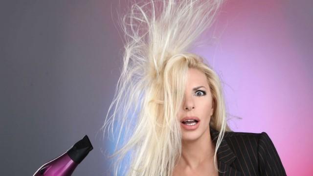 Τι έχει σπουδάσει η Αννίτα Πάνια; Θα τραβάτε τα μαλλιά σας με την απάντηση