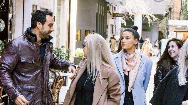 Σάκης Τανιμανίδης: Βόλτα με την Χριστίνα Μπόμπα, την μητέρα και την αδερφή του