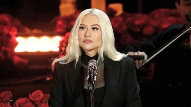 Christina Aguilera: Τραγούδησε για τον Κόμπι Μπράιαντ - Ράγισε καρδιές η ερμηνεία της