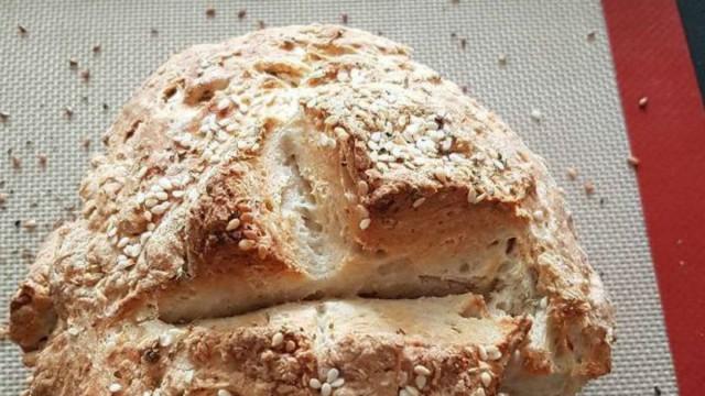 Βάλτε λίγο ελαιόλαδο και μαγειρική σόδα και θα φτιάξετε το πιο αφράτο και νόστιμο ψωμί!
