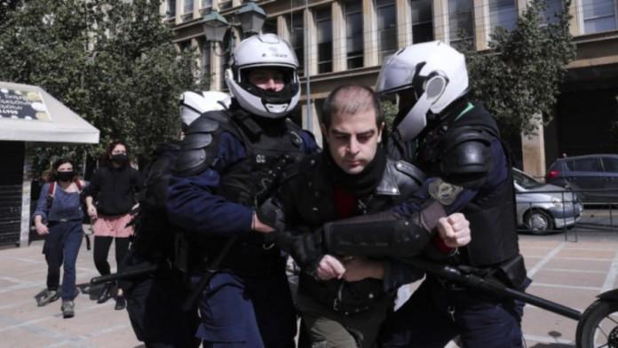 Δημήτρης Κουφοντίνας: Αφέθηκε ελεύθερος ο γιος του