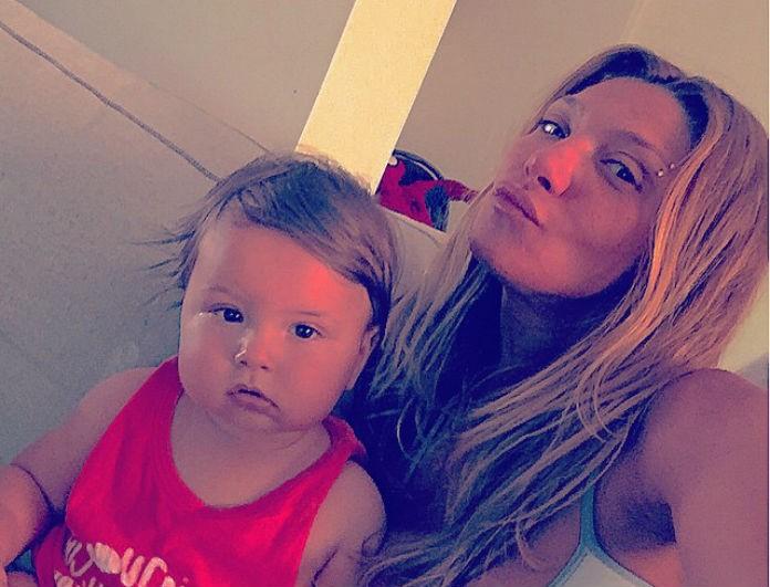 Αγγελική Ηλιάδη  Ποζάρει με τον μικρό γιο της και στέλνει το πιο γλυκό  μήνυμα! - NEWS - YOU WEEKLY 4be214a3439