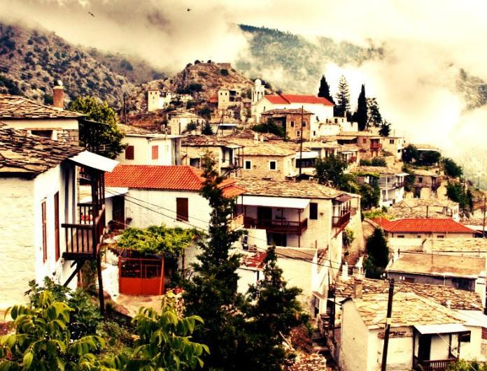 Επίγειοι γραφικοί παράδεισοι: Τα top 5 ελληνικά χωριά που αξίζει να ανακαλύψεις! (photos)