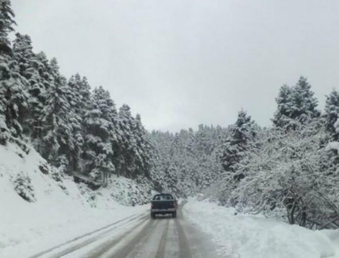 Μπαίνει στο ψυγείο από απόψε η χώρα: Πού θα χιονίσει το Σαββατοκύριακο και πού τα Χριστούγεννα