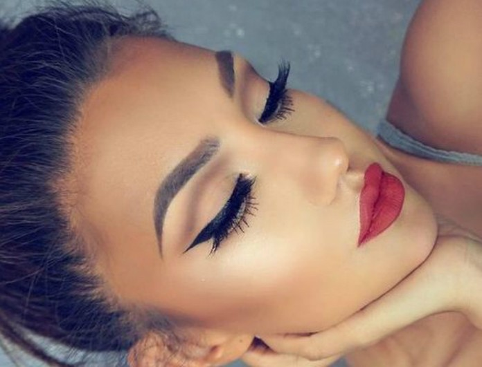 Οι κορυφαίοι make up artists συμβουλεύουν: Έτσι θα γίνει το κραγιόν σου ανεξίτηλο!