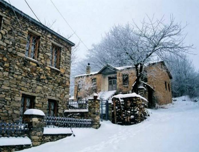 Υπέροχη και τον χειμώνα: 5 φθηνοί και πολυτελείς προορισμοί εντός Ελλάδας για τα φετινά Χριστούγεννα! (Photos)