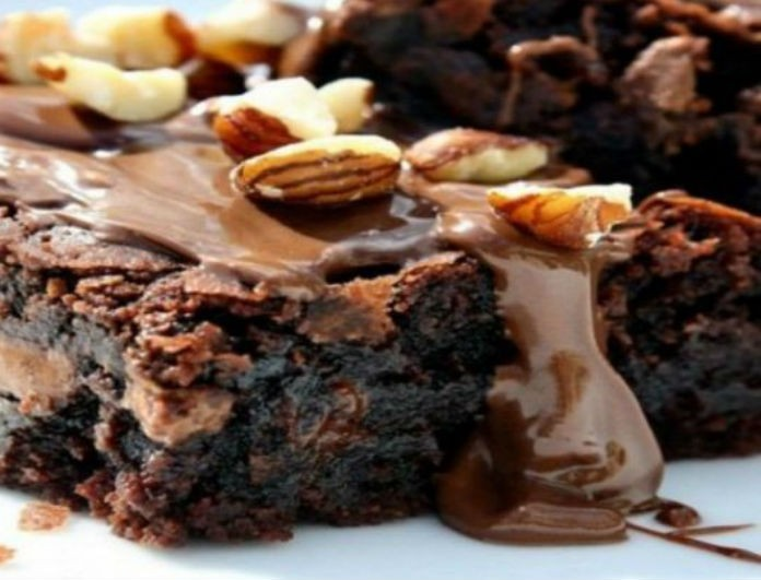 Φτιάξτε σοκολατένια brownies με 37 θερμίδες το κομμάτι μόνο!