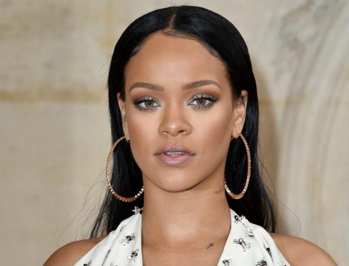 Σοκ! Οι νέες φωτογραφίες της Rihanna με πολλά παραπανίσια κιλά! Δείτε την στους δρόμους του Manhattan
