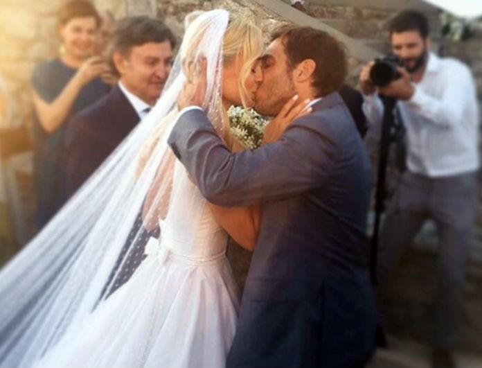 b2234d473d79 Δημήτρης Θεοδωρίδης  Η πρώτη φωτογραφία που ανέβασε από τον γάμο του με την  Δούκισσα Νομικού και η τρυφερή ευχή! - NEWS - YOU WEEKLY