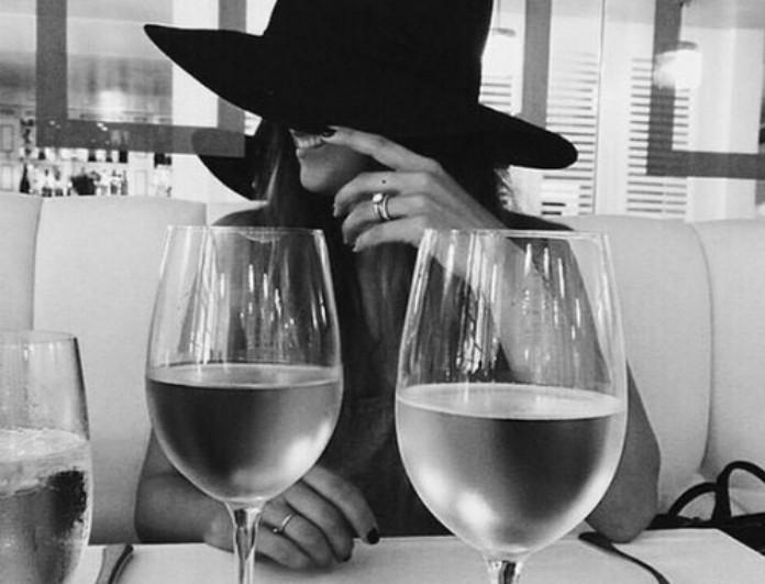 Έρευνα: πιες ένα ποτηράκι κρασί για λεπτή σιλουέτα