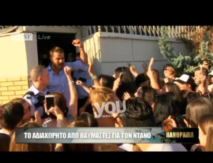 Το αδιαχώρητο από θαυμάστριες με τον Γιώργο Αγγελόπουλο! Οι selfie, τα αυτόγραφα και οι δηλώσεις θαυμασμού on camera! (βίντεο)