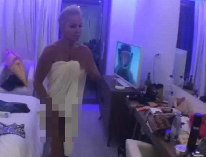Το άκρως αποκαλυπτικό ατύχημα της Νατάσας Καλογρίδη! Ανέβασε βίντεο που ανοίγει η πετσέτα και...
