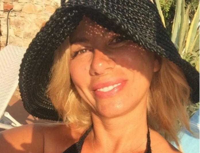Απολαμβάνει τις διακοπές της η Ζήνα Κουτσελίνη! Η νέα φωτογραφία και η υπερπολυτελέστατη πισίνα...