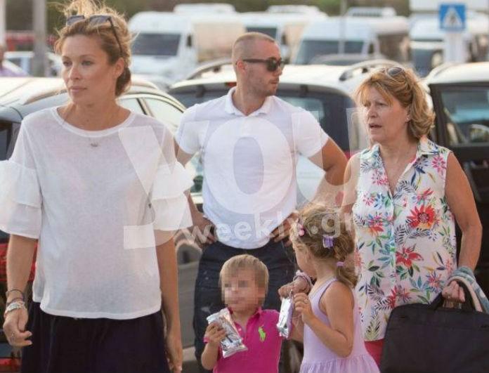 Οικογενειακές διακοπές για την Μαριέττα Χρουσαλά στον 6ο μήνα εγκυμοσύνης της! Αποκλειστικά στιγμιότυπα λίγο πριν την αναχώρησή τους για Ιταλία...