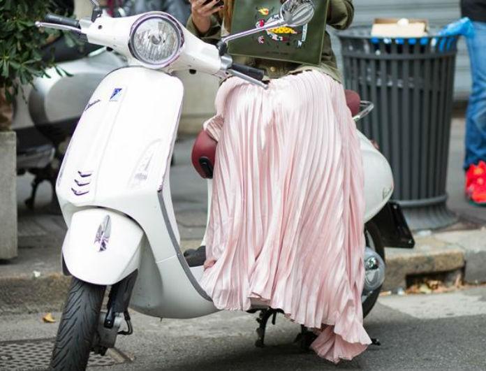 Aς ανακεφαλαιώσουμε για την πλισέ φούστα και ας δούμε με τι μπορείς να τη συνδυάσεις