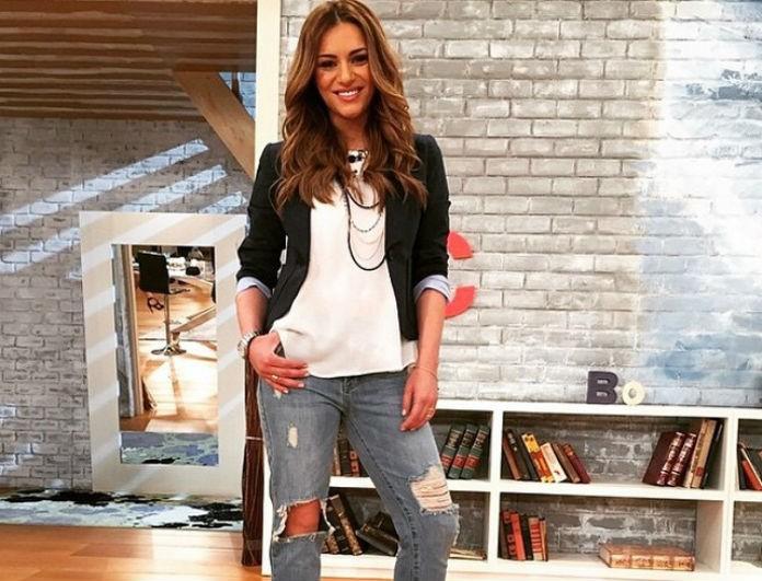 Η Ελένη Τσολάκη με το πιο hot παντελόνι της σεζόν! Το stradivarius  statement κομμάτι που κοστίζει κάτω από 20 ευρώ! - COPY THE LOOK - YOU  WEEKLY 5ffbf8e44c3