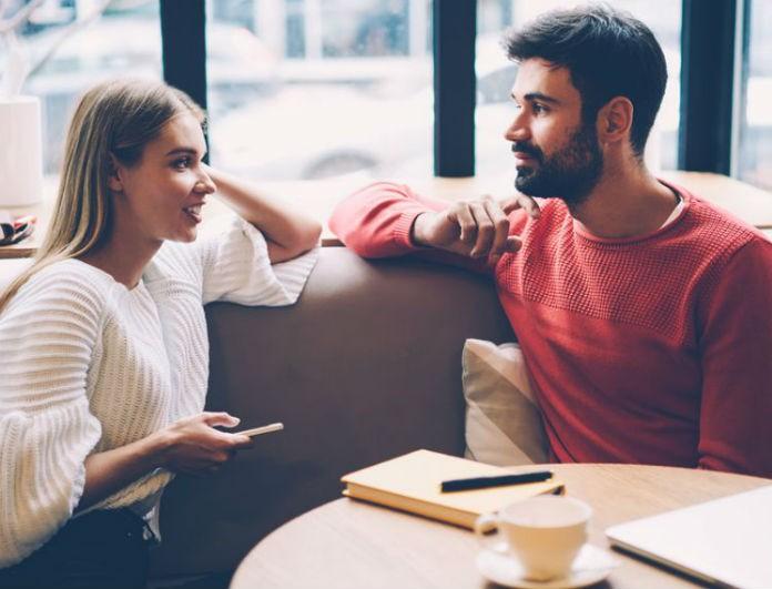 Η Νο1 αιτία που τα περισσότερα ζευγάρια τσακώνονται μέσα στις γιορτές