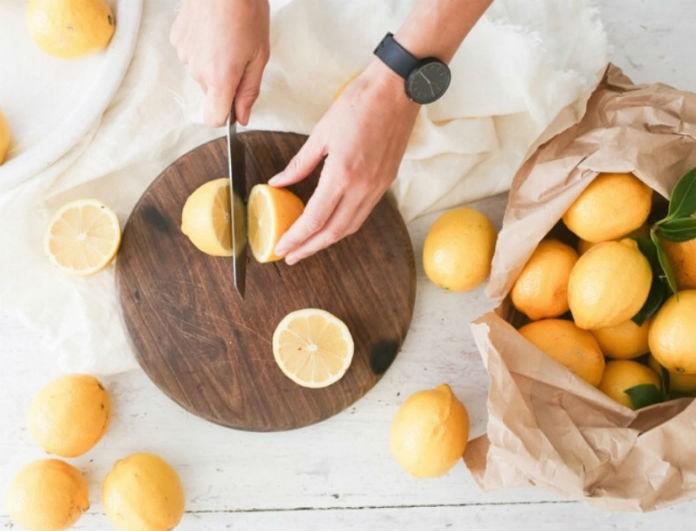 Χρησιμοποιείς λεμόνι στο φαγητό σου; Μόλις διαβάσεις αυτό θα ανατραπούν τα πάντα