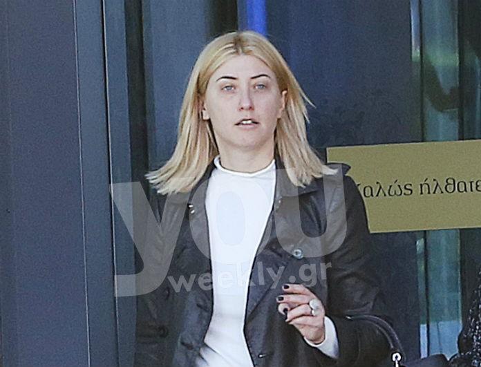 Η πραγματική εικόνα της Σίας Κοσιώνη! Χωρίς ίχνος μακιγιάζ για ψώνια με την μαμά της!
