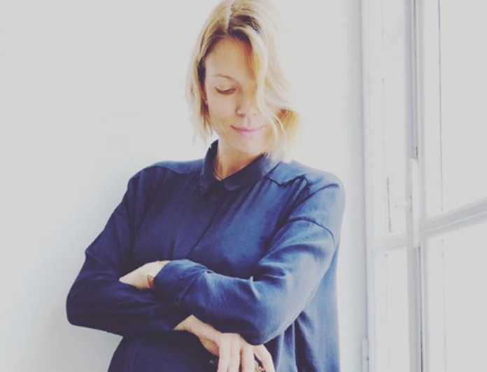 Βίκυ Καγιά: Με τέλειο H&M little black dress στον 9ο μήνα της εγκυμοσύνης της