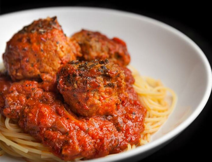 Ώρα για spaghetti με κεφτεδάκια! Η πιο νόστιμη συνταγή ever