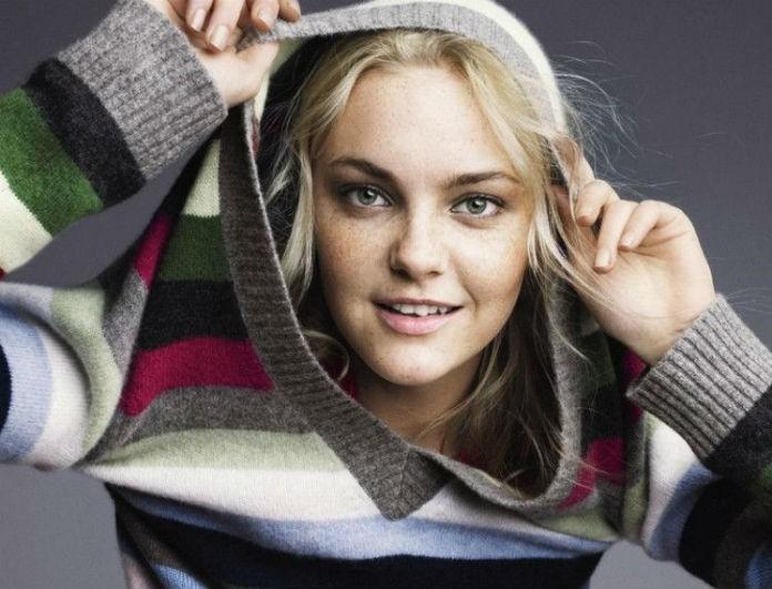 Ριγέ πουλόβερ με χρώμα: Φόρεσε τη μεγάλη τάση της σεζόν και άλλαξε διάθεση! Δες που μπορείς να τα βρεις...