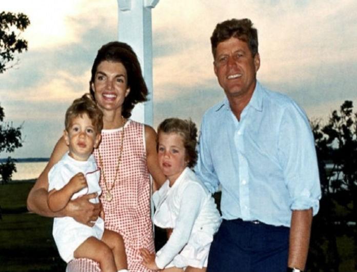 Τζάκι Κένεντι: Το φοβερό μυστικό που έκρυβαν όλα τα παπούτσια της και ελάχιστοι γνώριζαν!