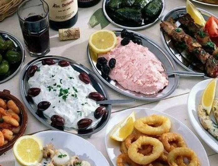Ύπουλη μέρα η Καθαρά Δευτέρα! Πόσο θα σε παχύνουν αυτά που τρως στο τραπέζι της Σαρακοστής!
